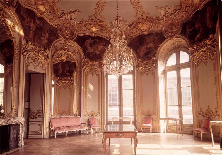 Salon de la Princesse de Soubise, Hôtel de Soubise, Paris. Photo © RMN-Grand Palais / Agence Bulloz. Image source: RmnGP www.images-art.fr.